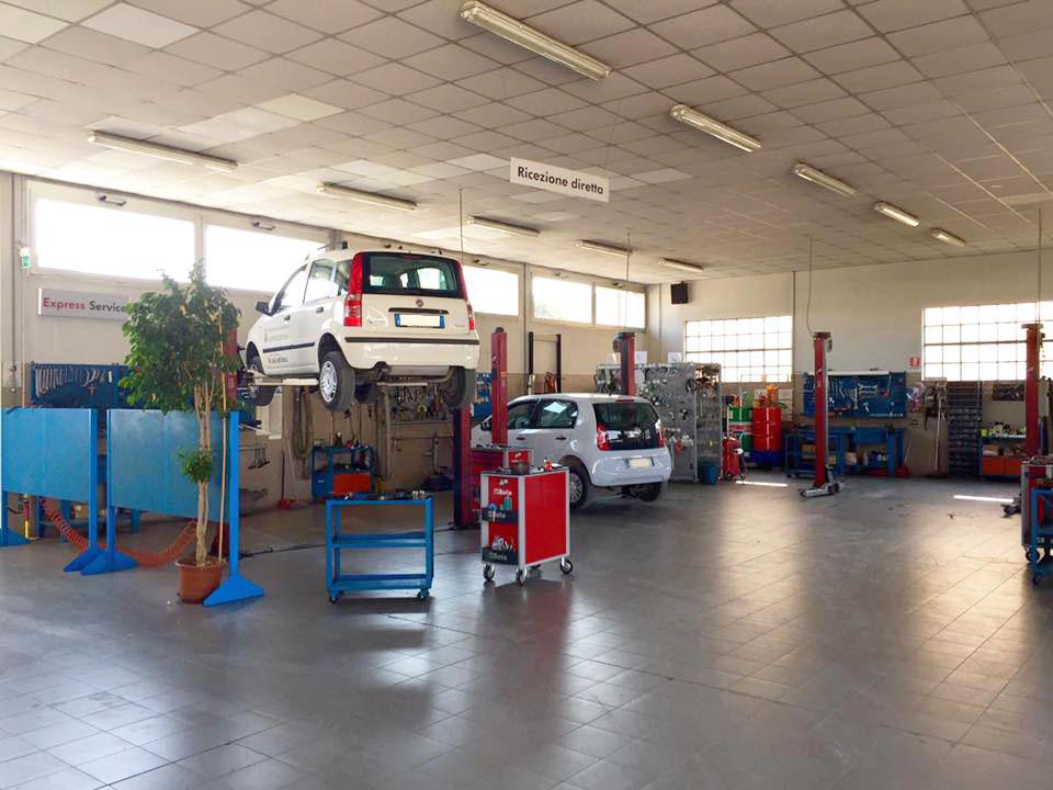 Officina auto zeta vendita auto nuove e usate service for Presse idrauliche usate per officina